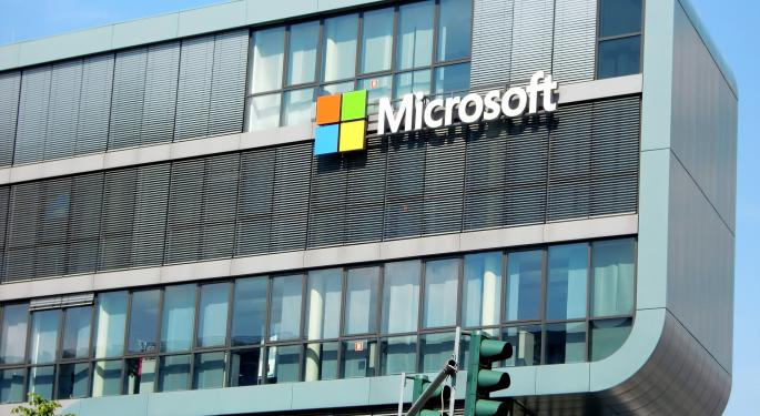 Microsoft Trades Higher On $10B Cloud Computing Deal With Pentagon