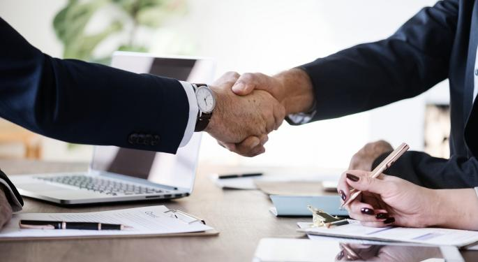 CIT Buys Mutual Of Omaha For $1B