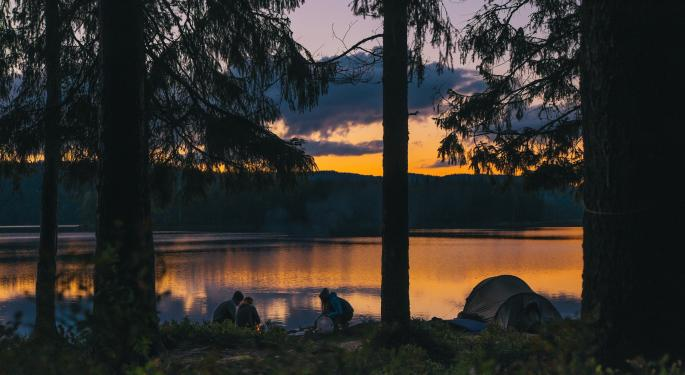 Camping World Story Weaves Tale Of Store Growth And Strong Management