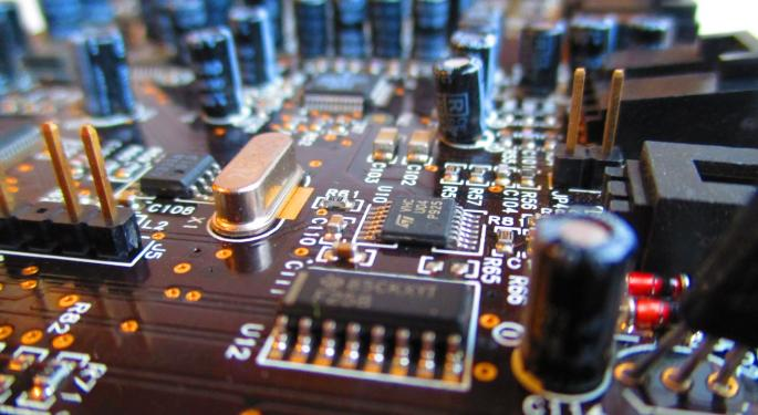Why Short Sellers Like Maxim Integrated Over Analog Devices