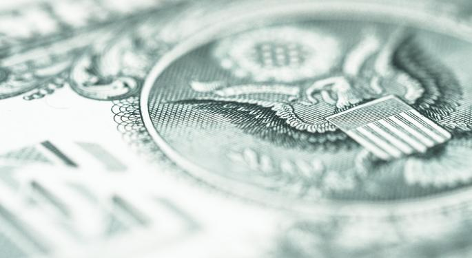 Stubbornly Strong Dollar Could Remain That Way