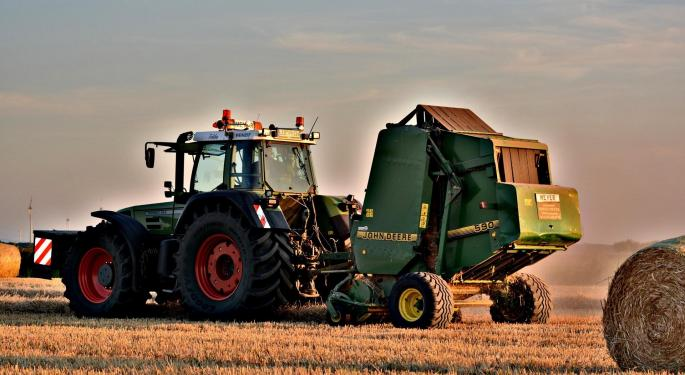 Jefferies Upgrades Deere, Cites 'Significantly Improved Farmer Income Outlook'