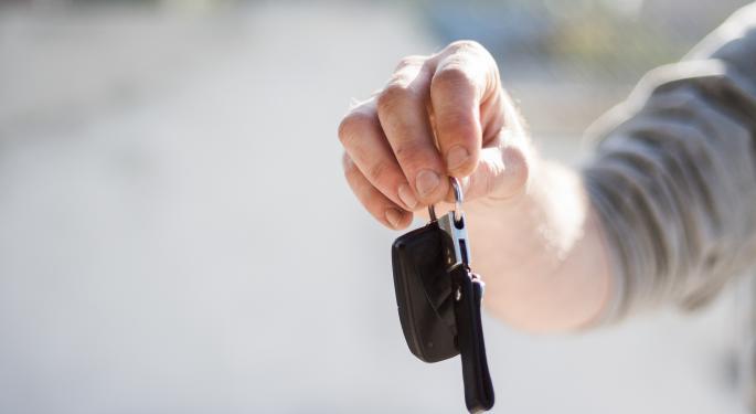 Analysis: Santander Share Buybacks Come Alongside Rising Auto Loan Delinquencies