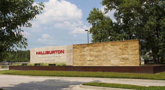 Raymond James Stays Bullish On Halliburton, Lowers Estimates On Tough 2019 Forecast