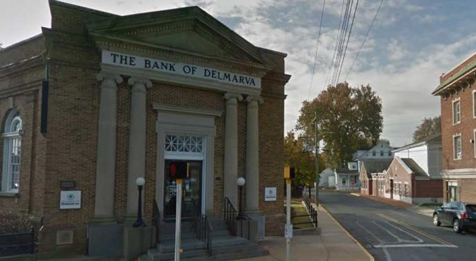 Why Are So Many Community Banks Going Public?