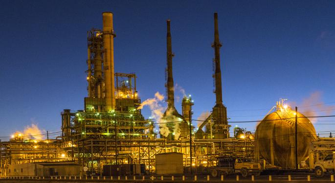 JPMorgan Upgrades Valero Energy, Sees Positive Outlook For Texas Gulf Coast Refiners