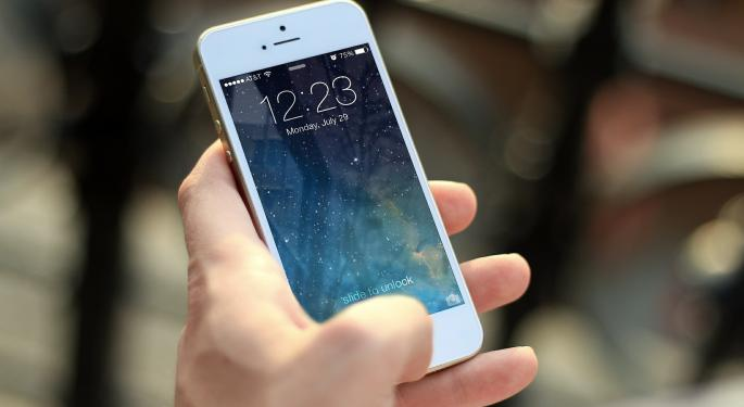 Universal Display Under Pressure Amid Report Apple Wants To Develop Its Own Screens