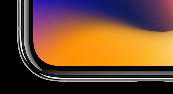 Longbow Research Says Apple's iPhone Story Is Showing Cracks