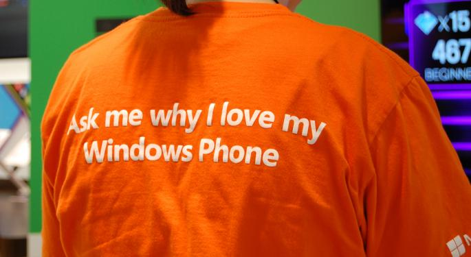 This Apple Store Employee Left His Job for Microsoft AAPL, MSFT