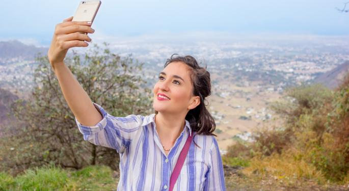 3 Beauty Companies Poised To Grow In Today's 'Selfie Generation'