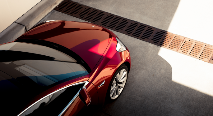 Bernstein: Tesla Model 3 Margins, Build Quality 'Are The Key Investor Controversies'