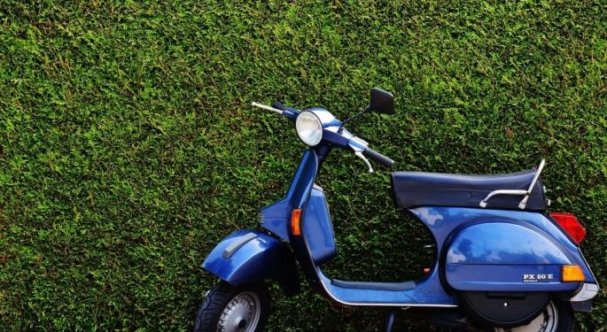 Shared Moped Startup Raises $27.6 Million And Dodges Gig-Workers