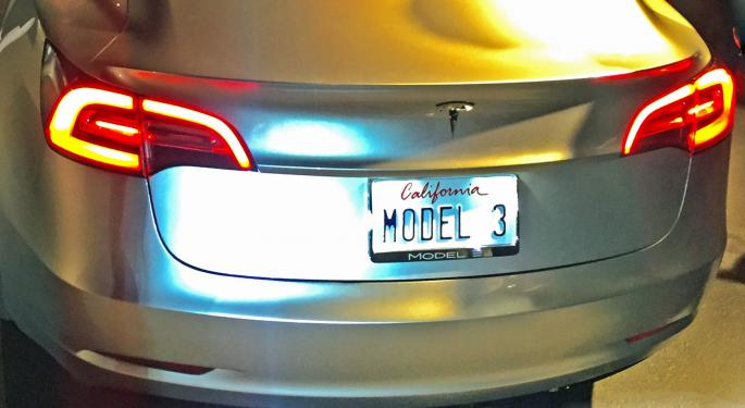 Tesla Shares Rise Again After Model 3 Reservations Pass 200,000