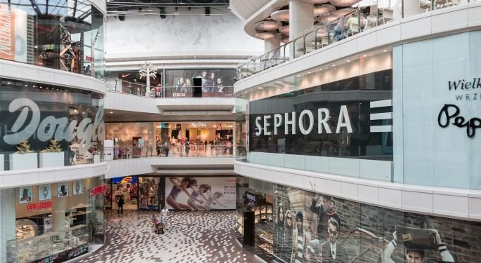 Evercore ISI Sees Holiday 'Headline Risk' For These 3 Mall REITs