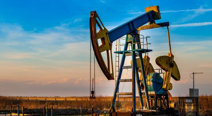 U.S. Oil Refining Eyes Big Expansion Amid Shale Spike