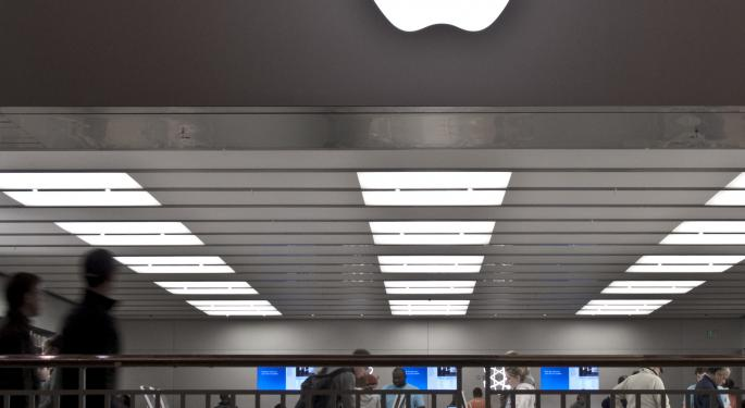 Apple to Phase Out Standard, Retina-Free MacBook Pro