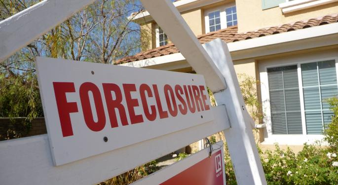 Home Foreclosures Just Hit Their Lowest Level Since 2006