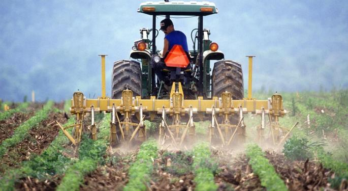 Earnings Preview: Deere To Report As Stock Lags In 2018