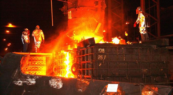 Schnitzer Steel Issues Q4 Warning, Cites Weak Demand, China Tariffs