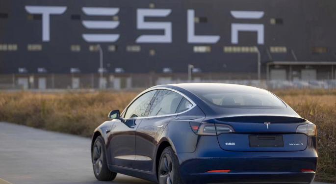 Tesla Begins Delivery Of First China-Made Model