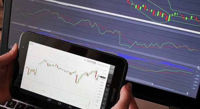 UBS Upgrades E-Trade, Downgrades TD Ameritrade After Commission-Free Shake-Up