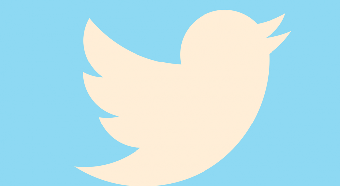 Twitter Falls As User Growth Remains Stagnant