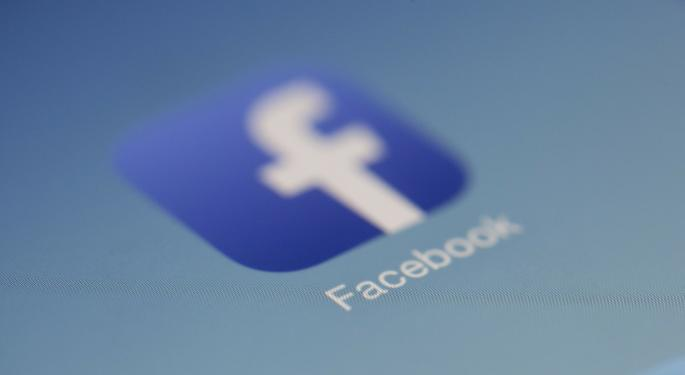 Despite Privacy Missteps, Analysts Still Like Facebook