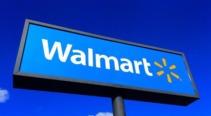 Is Walmart A Safe Play Ahead Of Earnings? These 2 Pros Say Yes