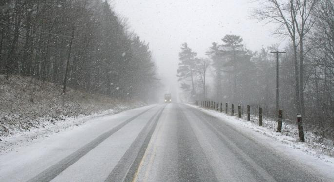 Snowy, Icy Roads To Make Weekend Driving Dicey For Truckers, Holiday Travelers